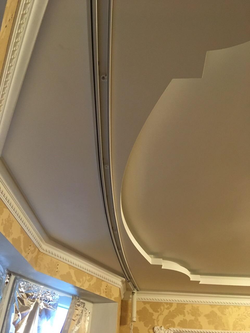 Электрокарниз для эркерного окна